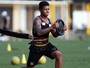 Com conjuntivite, Diogo Vitor falta a treino e é suspenso pelo Santos