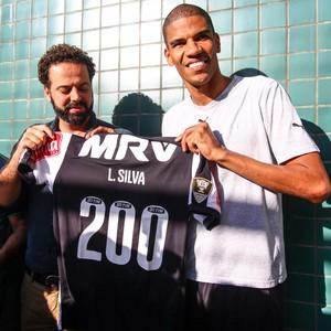 Leonardo Silva é homenageado pelo 200º jogo pelo Atlético-MG (Foto: Bruno Cantini/Flickr do Atlético-MG)