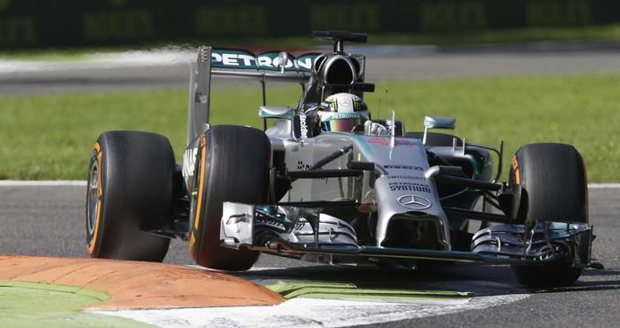 Lewis Hamilton, treino GP Itália - AP (Foto: AP)