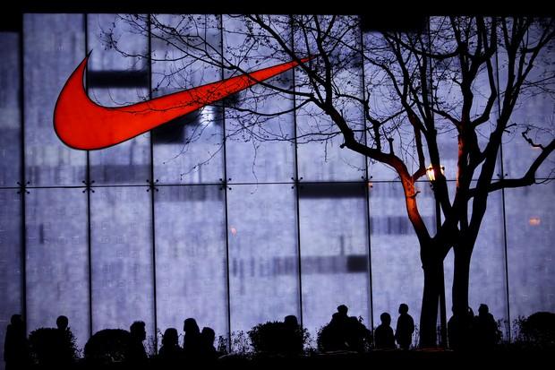 'Just do it': slogan da Nike é inspirado em assassino, revela criador