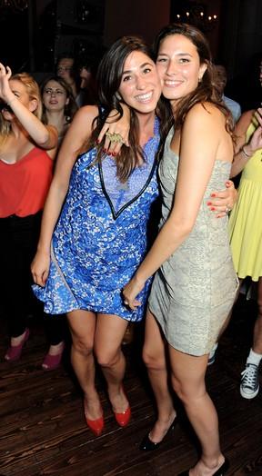 Antonia Packard com a irmã, Tessa (Foto: Agência Getty Images)