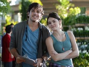 Marco Pigossi e Isabelle Drummond em 'Sangue bom'; na novela, eles viverão Bento e Giane, respectivamente (Foto: Divulgação/TV Globo)