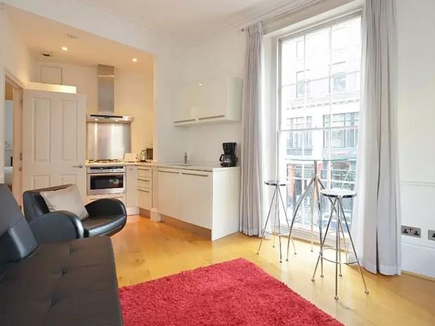 Apartamento onde teria morado o escritor inglês Charles Dickens, em Londres: cenário que nada lembra as histórias dos despossuídos da Inglaterra (Foto: Reprodução/Airbnb)
