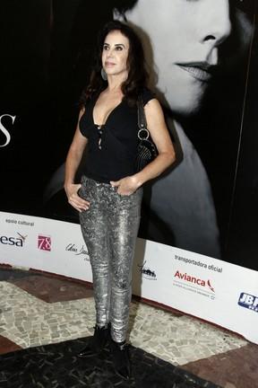 Cláudia Alencar em estreia de peça na Zona Sul do Rio (Foto: Ag. News)