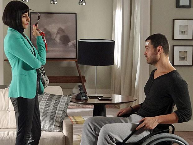 Melissa alerta Fernando sobre seu comportamento com Miriam (Foto: Amor Eterno Amor / TV Globo)