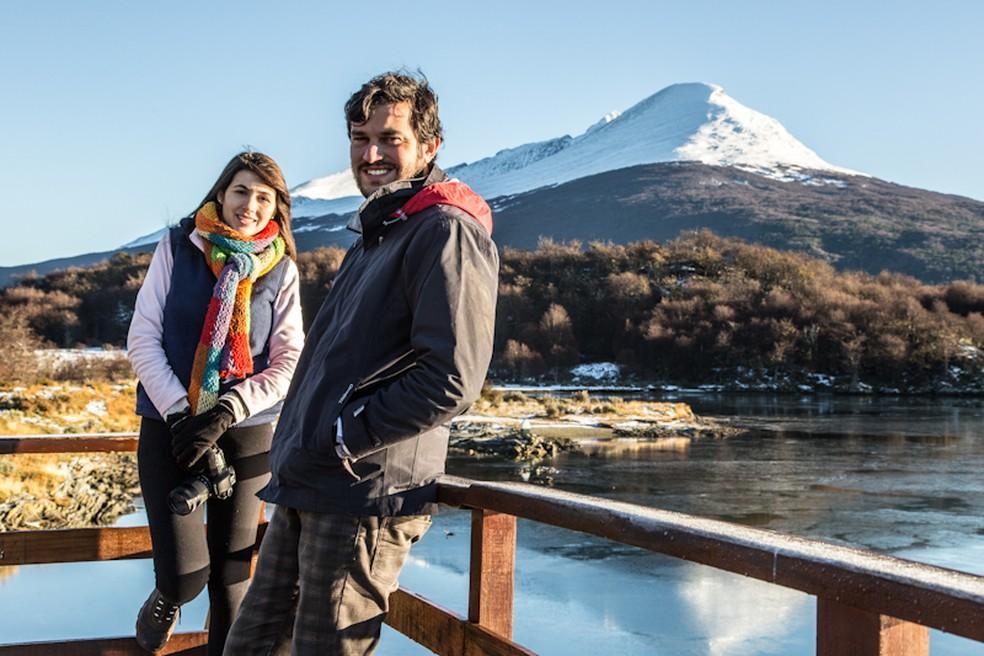 Rachel e Leonardo bem preparados para o frio do Ushuaia (Foto: Divulgação)