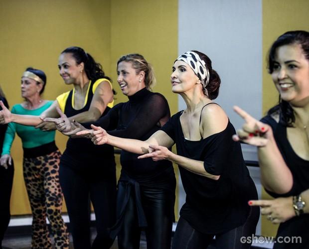 Fátima Bernardes e suas amigas na aula de jazz  (Foto: Camila Camacho / TV Globo)