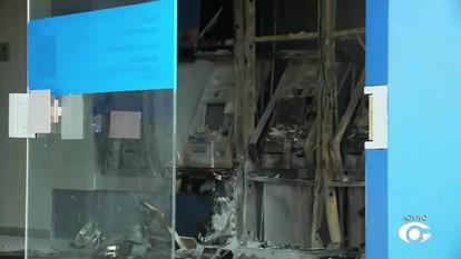 Agência da Caixa é incendiada em Atalaia