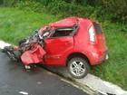 Família fica ferida em acidente entre carro e caminhão no sul do Paraná