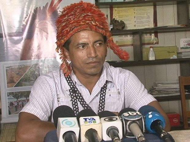 Líder indígena do oeste do Pará pede apoio de tribos do Xingu contra construção de usinas (Foto: Mario de Paula/ TV Liberal)
