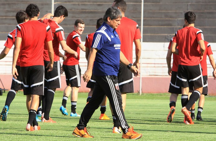 Marcelo Veiga, técnico do Botafogo-SP (Foto: Luis Augusto/Ag. Botafogo)