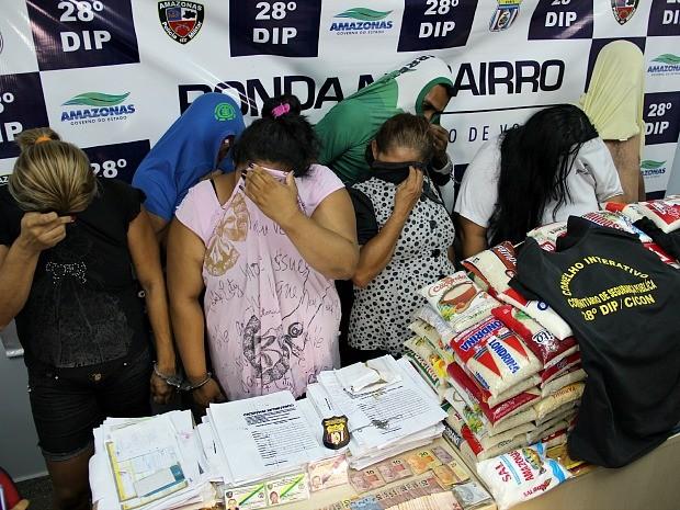 Grupo cobrava por atendimento em Conselho Comunitário, dentro de delegacia em Manaus (Foto: Indiara Bessa/G1 AM)