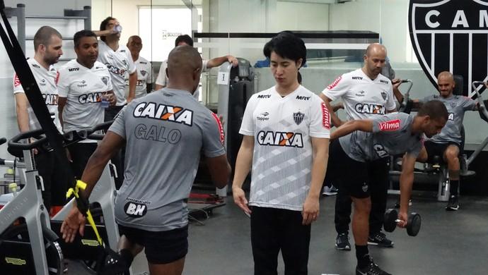 Treino do Atlético-MG na academia (Foto: Fernando Martins Y Miguel)