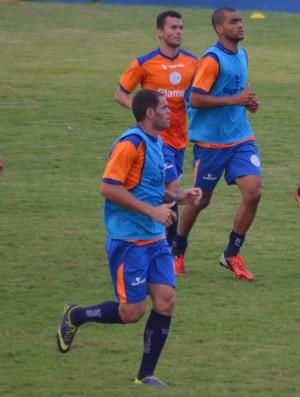 Jailton treina no Confiança (Foto: Felipe Martins)
