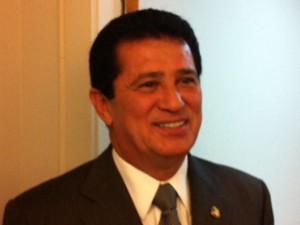 O presidente do PR, senador Alfredo Nascimento (AM), após reunião com dirigentes estaduais (Foto: Filipe Matoso/G1)