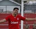 """Schwenck comemora gol e divide com a """"família"""" Inter de Lages"""