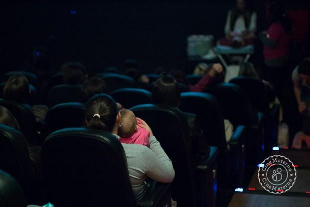 Projeto faz sessões especiais para mães e filhos aproveitarem juntos (Foto: Cinematerna)