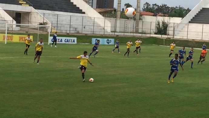 ABC - Jogo-treino - Frasqueirão (Foto: Carlos Arthur da Cruz/GloboEsporte.com)
