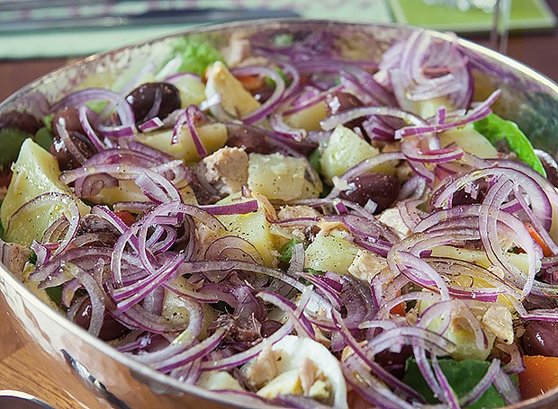 Salada Niçoise (Foto: Lufe Gomes/ Editora Globo)