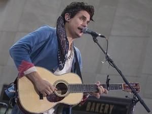 John Mayer se apresenta ao vivo no programa 'Today' da NBC (Foto: Adrees Latif/Reuters)