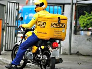 Carteiros que utilizam motos estariam sem gratificação prevista em lei (Foto: Divulgação/Sintect)