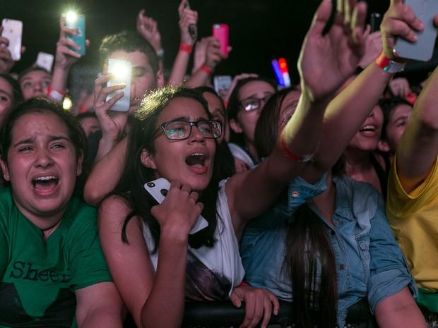 ED SHEERAN NO BRASIL: Fãs acompanham sobre de cantor inglês em São Paulo (Foto: Diego Baravelli/G1)