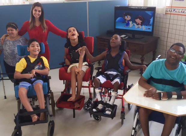 Tatyana Jorge visita o Lar Mensageiros da Luz (Foto: Arquivo Pessoal)