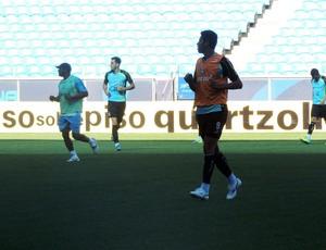 Willian Magrão retoma treinamentos no Grêmio (Foto: Hector Werlang / GLOBOESPORTE.COM)