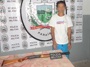 Arma foi encontrada com o presidiário de 40 anos, que trabalha como cozinheiro na unidade (Foto: Capitão Alberto Filho/Divulgação)