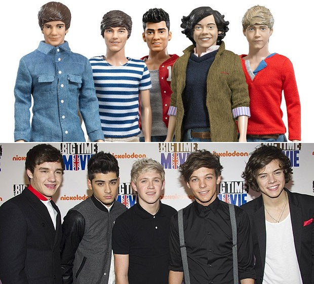 Imagem dos bonecos feitos pela Hasbro dos integrantes do One Direction e, abaixo, a banda em evento em x de 2012 (Foto: Divulgação e Charles Sykes/AP Photo)