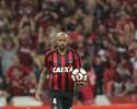 "Nome do Atlético-PR, T. Heleno lembra pressão e celebra vitória: ""Dá moral"""