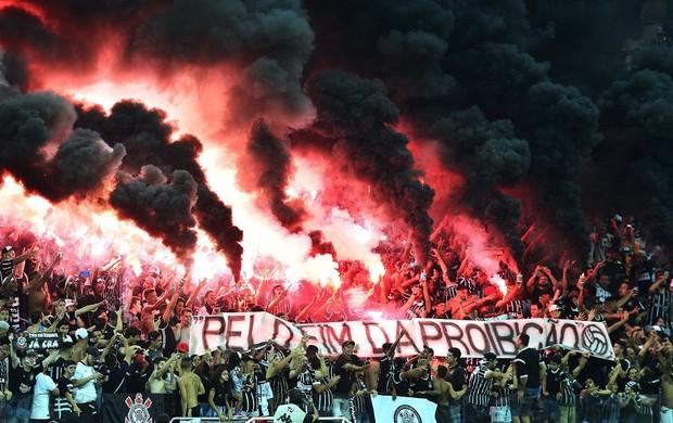 Torcida Corinthians Palmeiras sinalizador