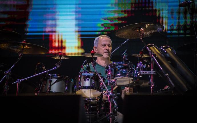 João Barone comanda a bateria do Paralamas do Sucesso no João Rock 2016 (Foto: Mateus Rigola/Gshow)