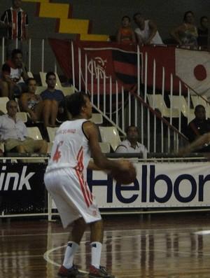 Marcelinho foi o destaque do jogo contra o Mogi (Foto: Fabio Leme)