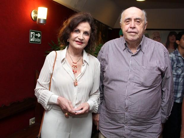 Rosamaria Murtinho e Mauro Mendonça em pré-estreia de musical na Zona Sul do Rio (Foto: Alex Palarea/ Ag. News)