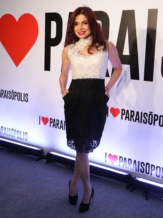 Françoise Forton arrasou com vestido preto e branco!  (Foto: Fabiano Battaglin/ Gshow)