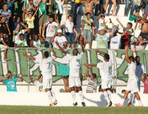 Jogadores do Icasa comemoram na vitória sobre o Águia de Marabá-PA, no Romeirão, pela Série C (Foto: Normando Sóracles/Ag. Miséria de Comunicação)