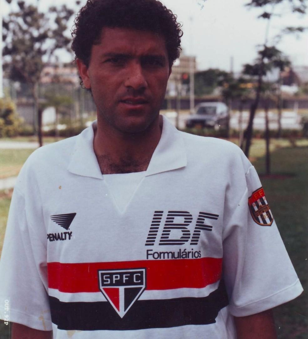 Lembra dele? Suélio foi um dos campeões da Libertadores de 1992 (Foto: Arquivo histórico SPFC)