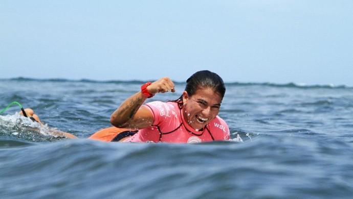 Silvana Lima disputa etapa primordial em busca de vaga na elite do surfe m 2017 (Foto: Divulgação/WSL)