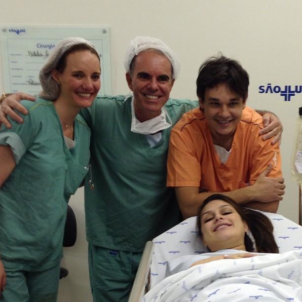"""""""Alegria total!"""", comentou o médico José Bento, que acompanhou o parto (Foto: Reprodução/Instagram)"""