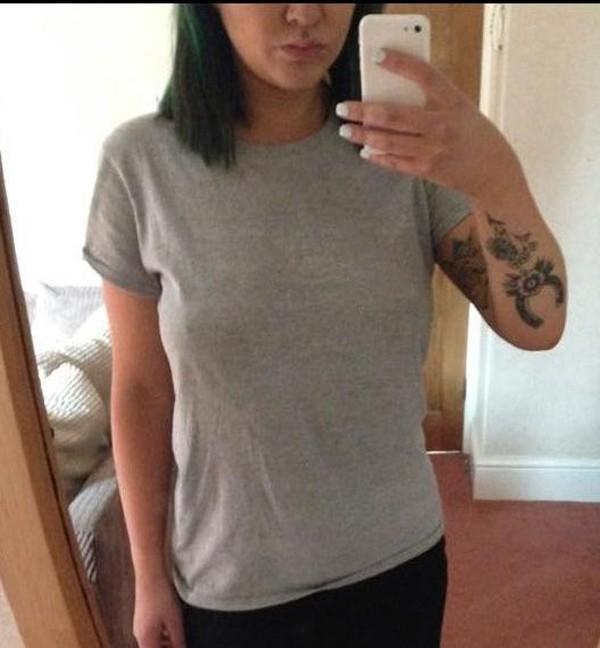 Kate Hanna mostrou como estava vestida no dia em que foi mandada embora do emprego  (Foto: Reprodução / Facebook)