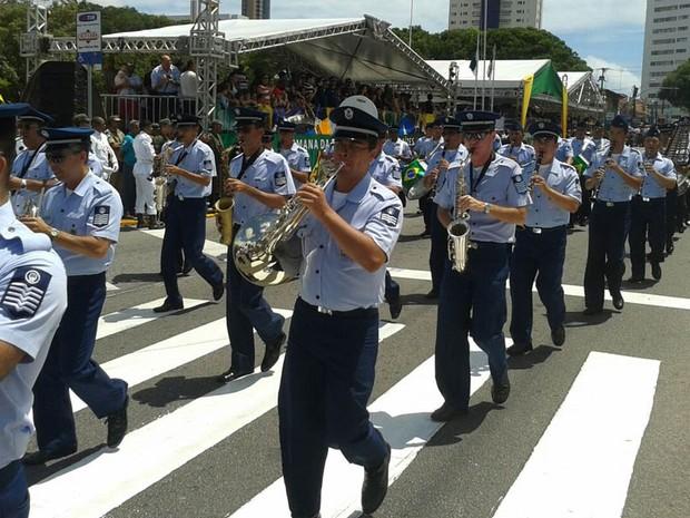 Desfile começou por volta das 8h30 no Centro de Natal (Foto: Francisco Junior/Inter TV Cabugi)