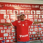 Kariri, meia do Vila Nova (Foto: Guilherme Gonçalves/GloboEsporte.com)