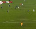 Golaço do meio de campo é o mais bonito do futebol internacional