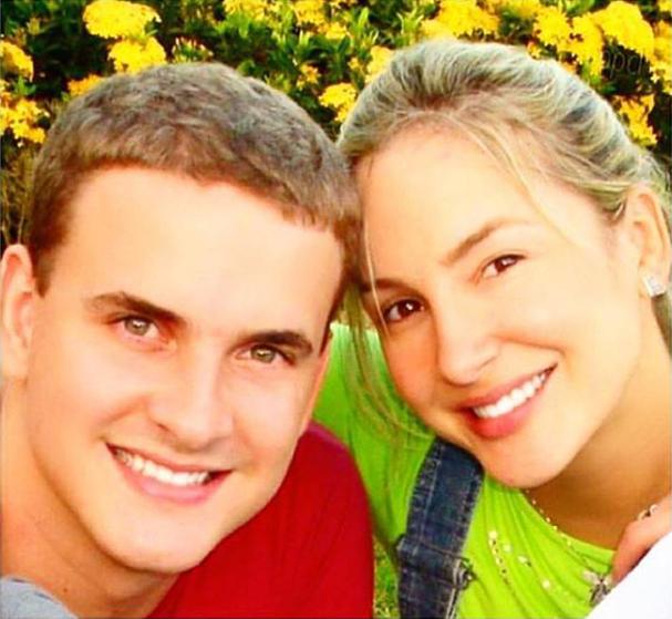 Os irmãos Claudio Inácio Jr. e Claudia Leitte (Foto: Reprodução/Instagram)