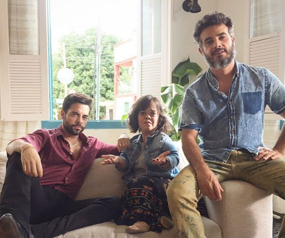Pedro Carvalho, Juliana Caldas e Anderson Di Rizzi nos bastidores de 'O outro lado do paraíso' (Foto: Reprodução Instagram)