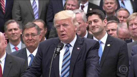 Trump tem vitória na Câmara: lei para substituir Obamacare é aprovada