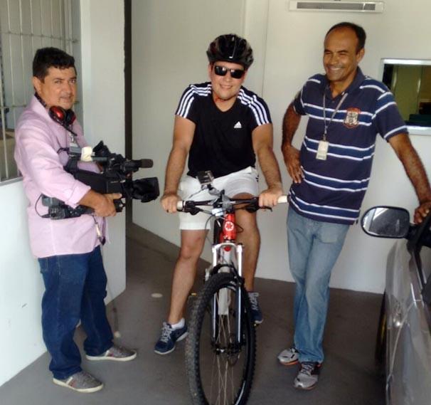 Marcelo Magno percorreu cerca de 7km de bicicleta no Dia Mundial sem Carro (Foto: Rede Clube)