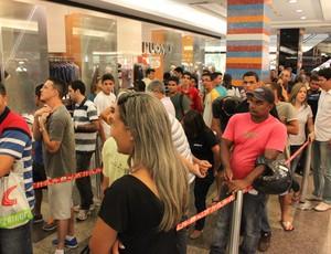fila ingressos Santos x Flamengo (Foto: Fabrício Marques)