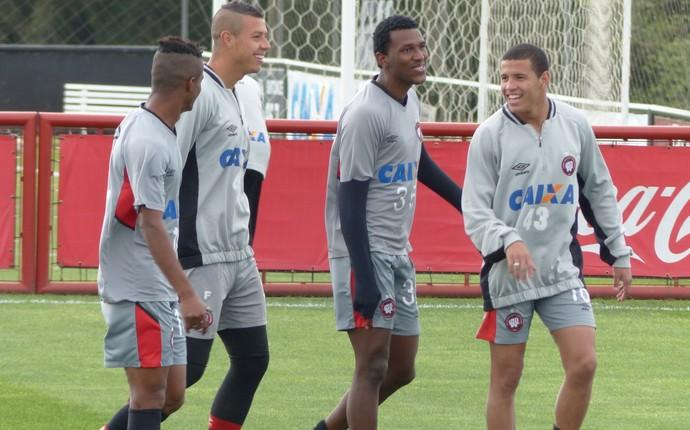 Treino Atlético-PR (Foto: Monique Silva)